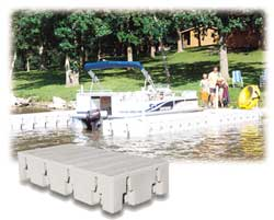 2000 Series Dock with pontoon boat